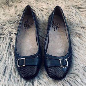 Life Stride Velocity Loafers